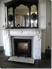 一階の暖炉