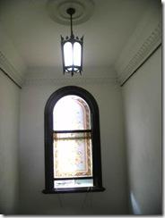 階段窓ステンドグラス