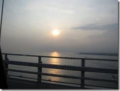 橋からの夕日