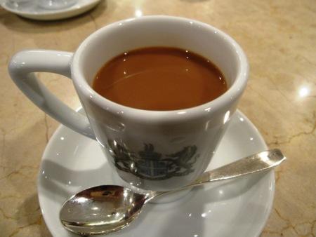 ミルク入りコーヒー